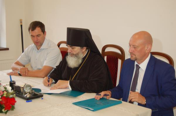 Подписано соглашение о сотрудничестве между Тихвинской епархией и муниципалитетом